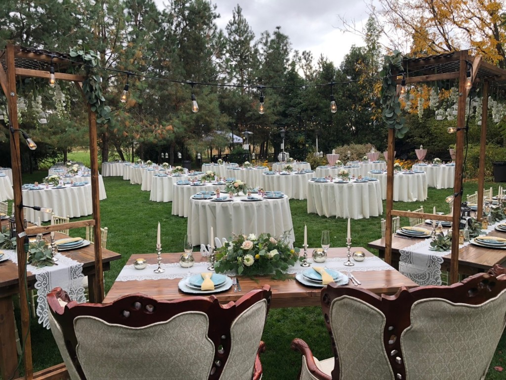 Outdoor Wedding Catering Tables